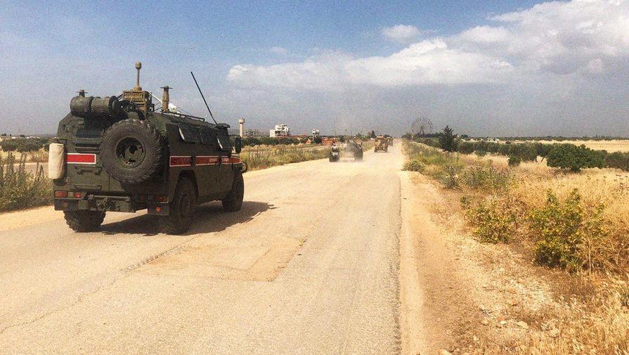 В Сирии трое российских военных получили ранения при обстреле БТР