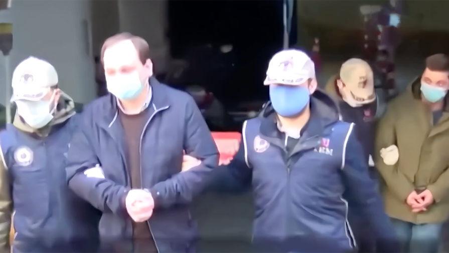 Задержанные журналисты НТВ прибыли в Москву
