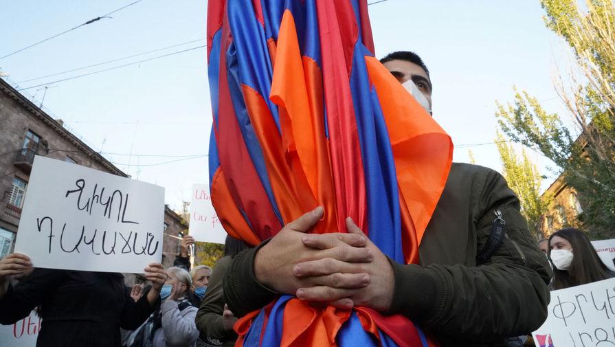 Оппозиция Армении сочла 'манипуляцией' желание Пашиняна провести выборы