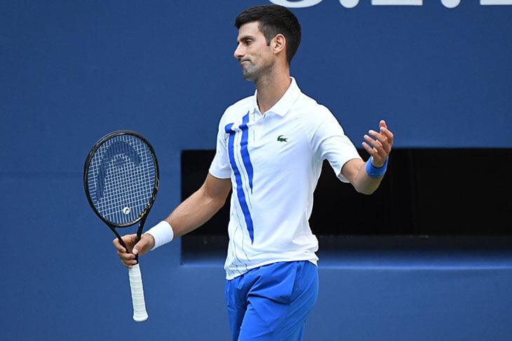 Джокович попросил директора Australian Open об улучшении условий на карантине