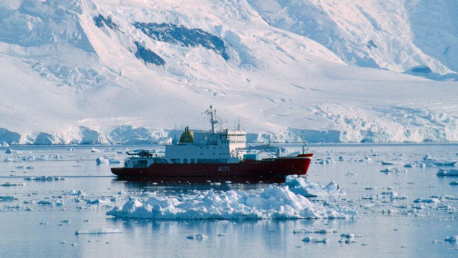 СМИ: британские корабли будут круглогодично находиться в Арктике