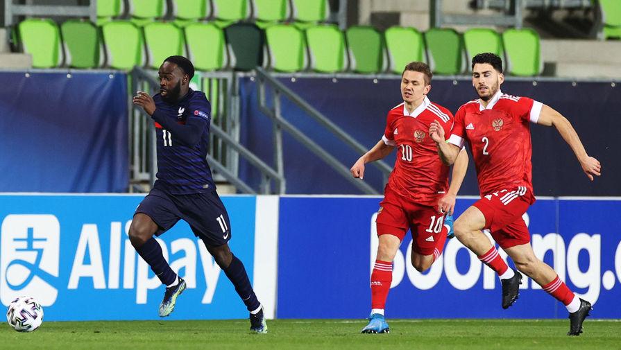 Защитник 'Спартака' Маслов заработал два пенальти за девять минут матча с Францией