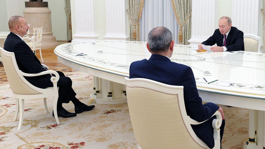 Путин предложил Алиеву и Пашиняну обсудить дальнейшие шаги по Карабаху