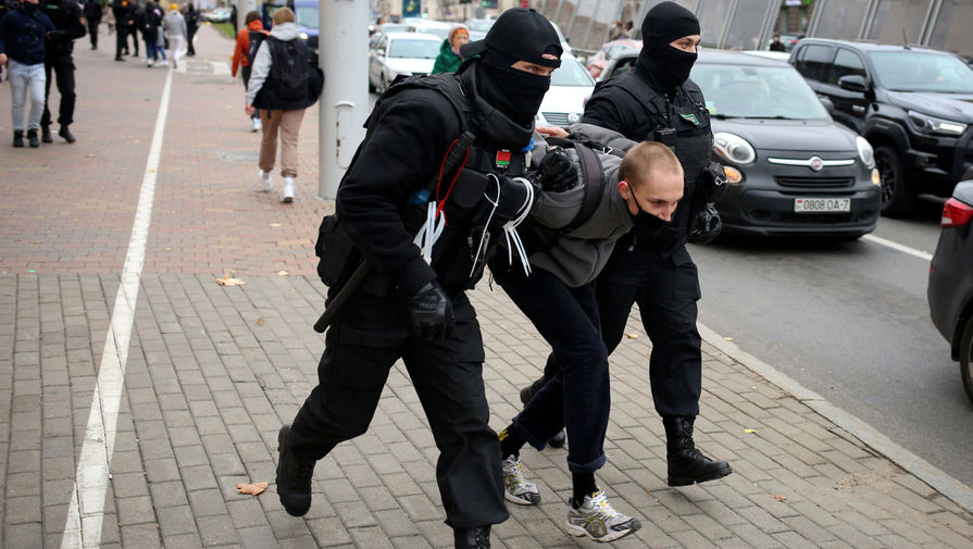Силовики произвели первые задержания на протестах в Минске