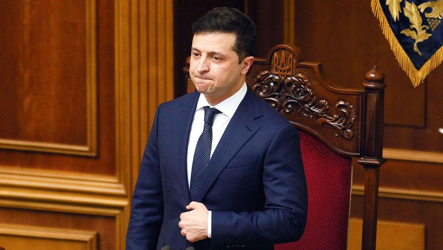 Зеленский захотел написать про украинский Крым на песке в Ялте