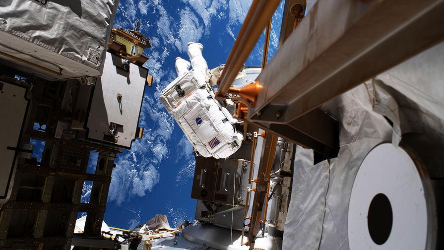 Космонавты заделали трещину в российском модуле МКС