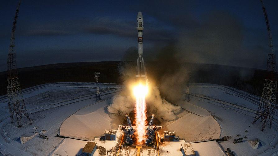 Ракета 'Союз-2.1б' благополучно вывела на орбиту военный спутник