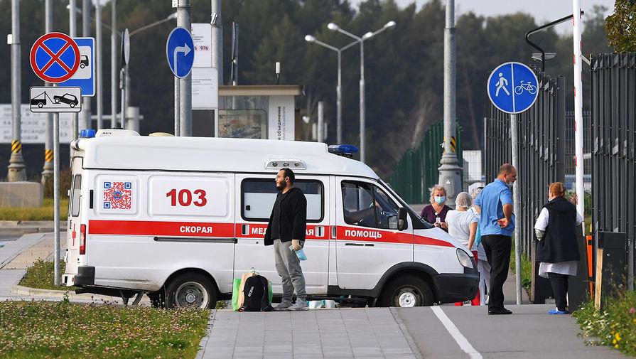 Свернувшего шею пациенту фельдшера задержали в Петербурге