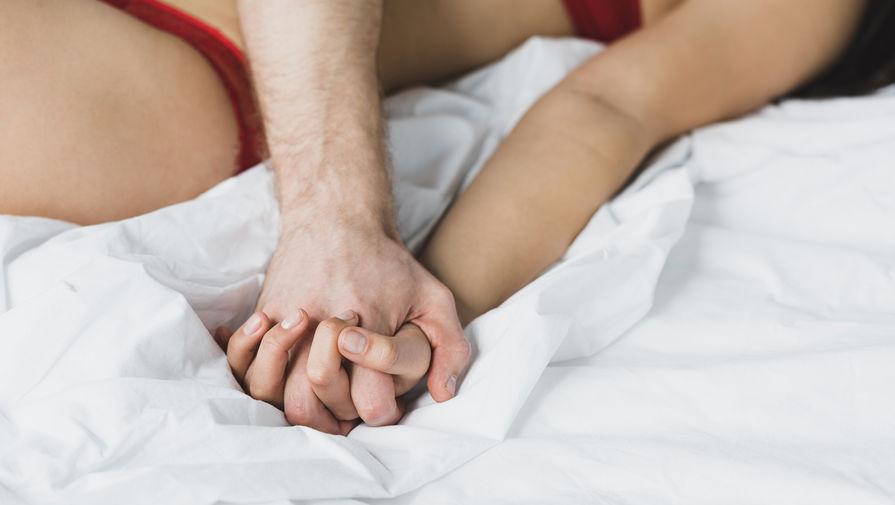 Врачи рассказали о пользе секса после вакцинации