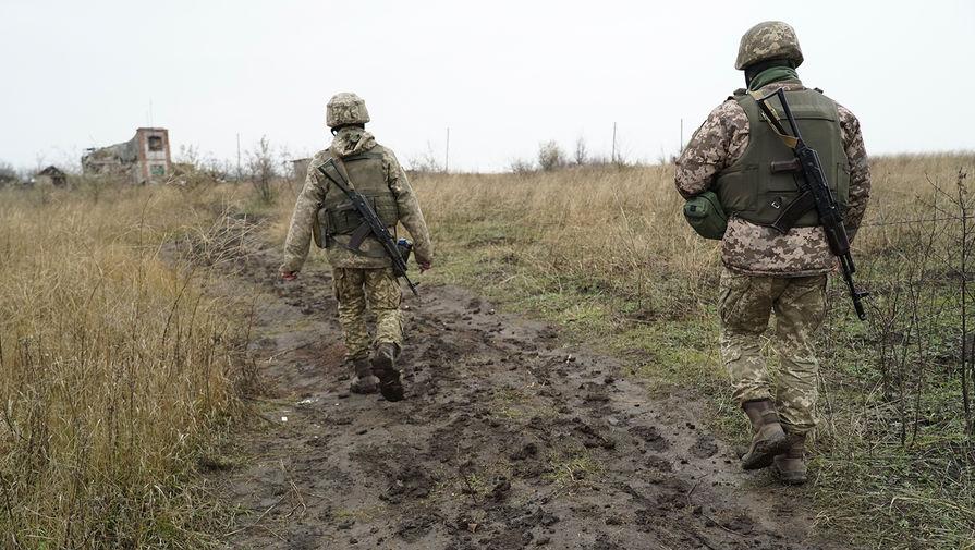 Зеленский поручил проверить боеготовность войск в Донбассе