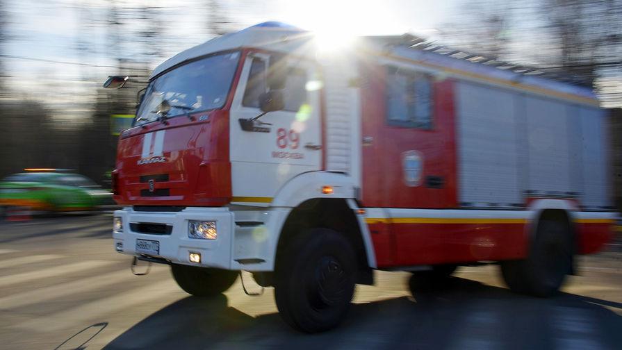 Пожар на площади 1,5 тыс. 'квадратов' произошел в производственном цехе в Рязани