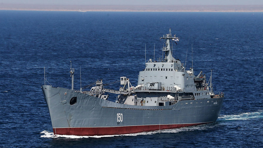 Российский БДК 'Саратов' направляется в сирийский порт Тартус через Средиземное море