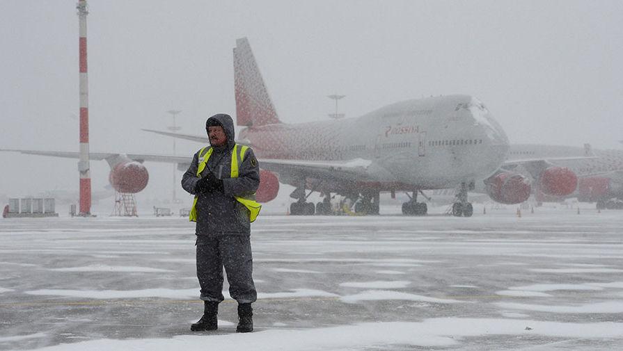В Домодедове возобновлены приостановленные из-за ледяного дождя рейсы
