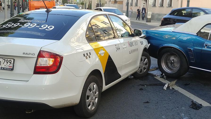 ДТП с участием 5 автомобилей произошло на севере Москвы