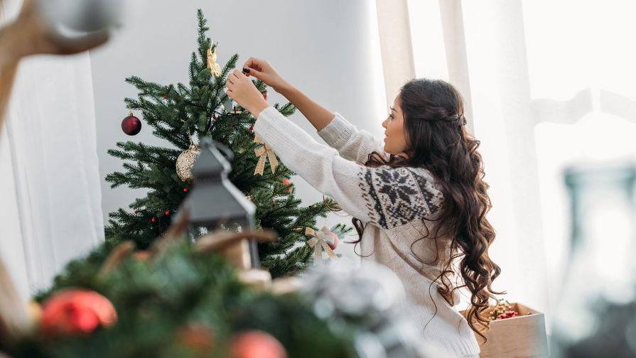 Каждый десятый россиянин не собирается наряжать елку в этом году