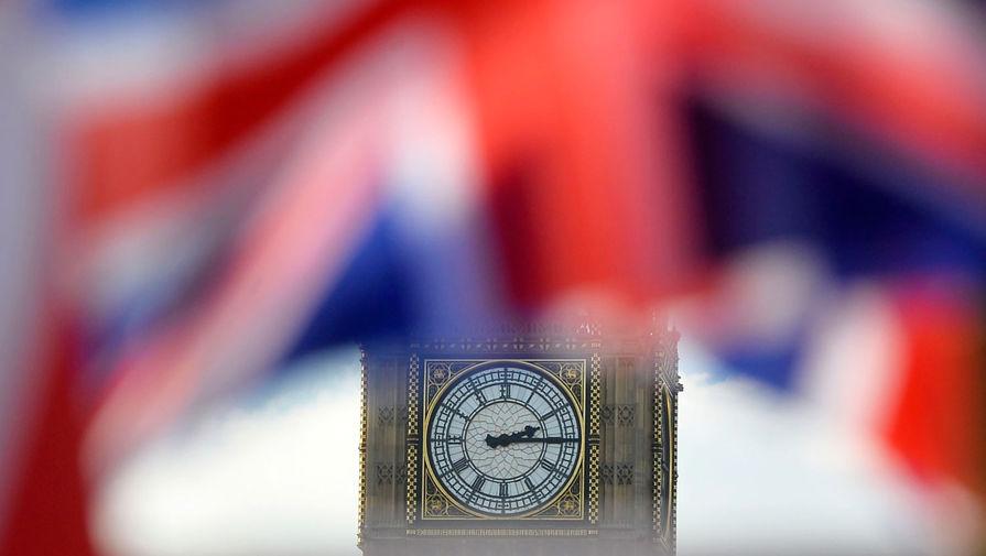 Великобритания снова ввела локдаун из-за COVID-19