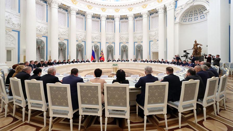 В Совфеде прокомментировали первый разговор Путина и Байдена