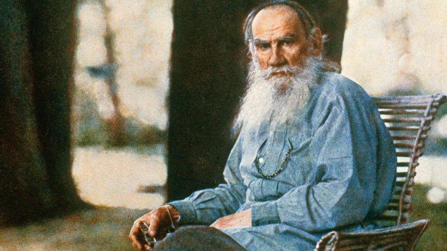 Россияне чаще всего притворяются, что читали Толстого и Достоевского