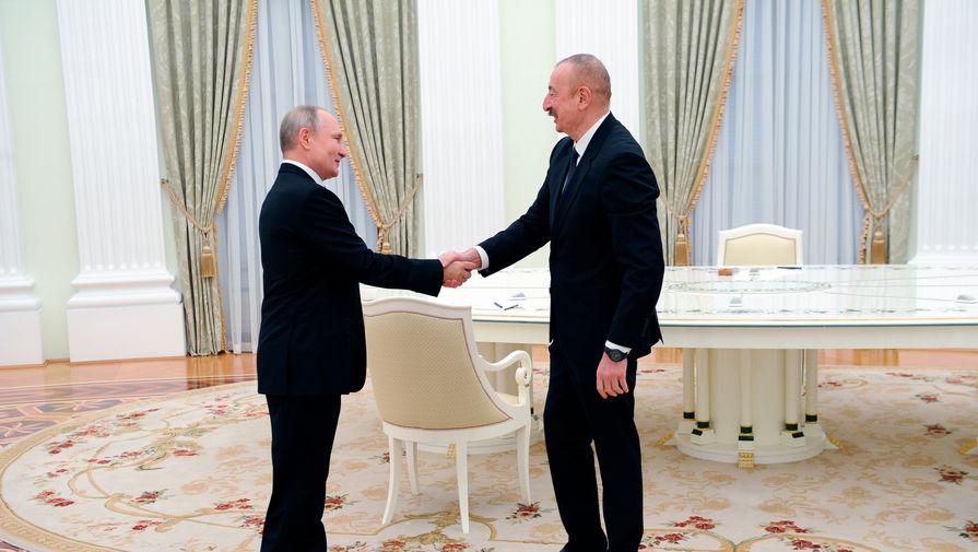 Путин и Алиев обсудили работу Центра по контролю за прекращением огня в Карабахе