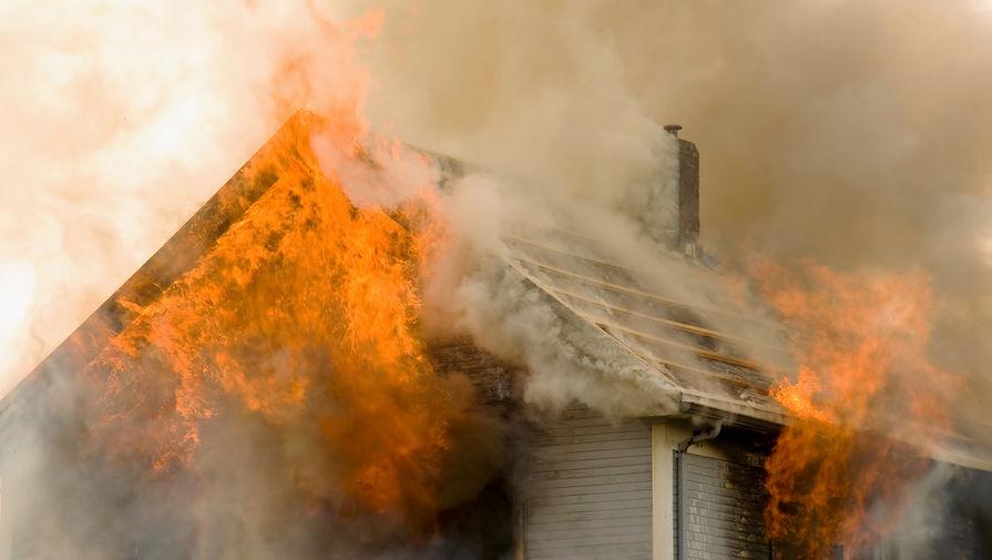 Под Астраханью три человека погибли при пожаре