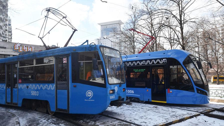 Трамвай в Иркутске наехал на девять автомобилей из-за отказавших тормозов