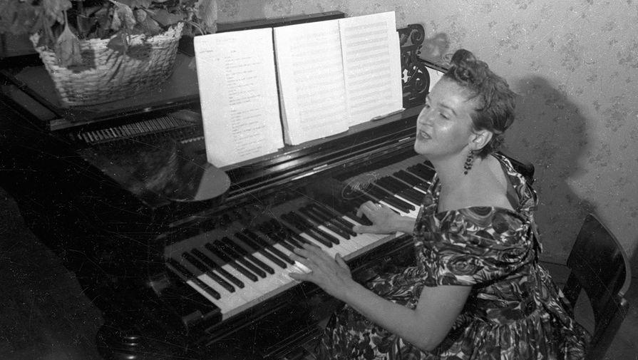 Отпевание композитора Людмилы Лядовой началось в Новодевичьем монастыре