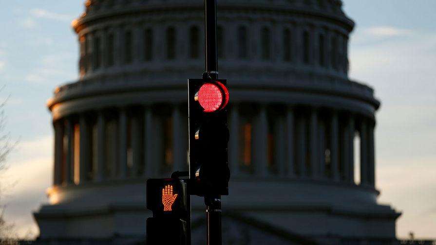 Конгрессмены США отменили заседание из-за угрозы атаки на Капитолий