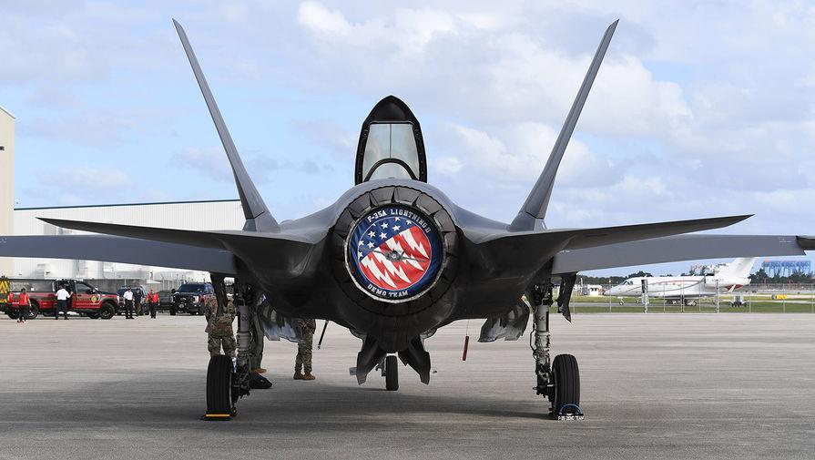 В США рассказали об 'ахиллесовой пяте' американских истребителей
