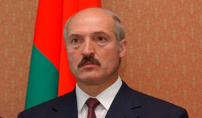 Политолог: Лукашенко пытается примерить на себя роль советского генсека