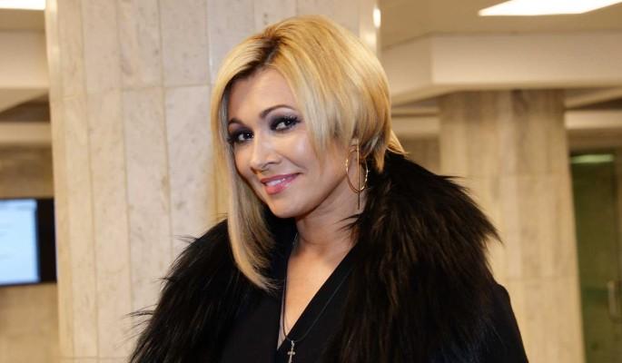 Анжелика Агурбаш поздравила читателей 'Дни.ру' с Новым годом