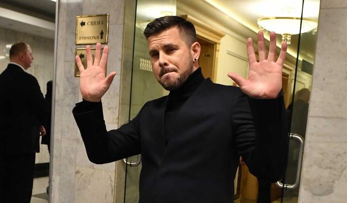Латвийский певец Интарс Бусулис поздравил читателей 'Дни.ру' с Новым годом