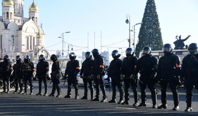Организаторы незаконных акций вовлекают детей в столкновения с полицией