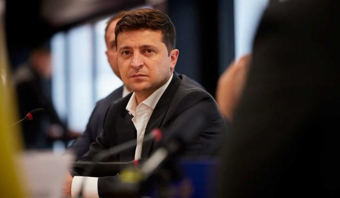 На Украине обвинили Зеленского в узурпации власти: Провалился как лидер государства