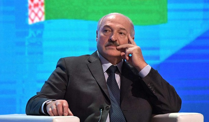 Время мешает Лукашенко пойти путем Каддафи – политолог Николюк