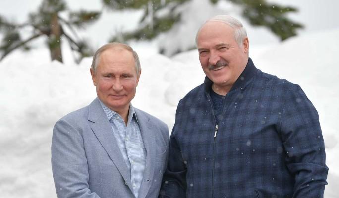 Политолог Орешкин о встрече Путина и Лукашенко в Сочи: Они с трудом друг друга переносят