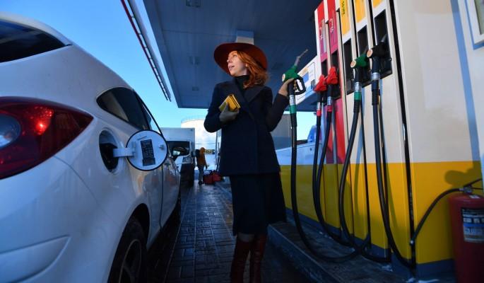 Цены на бензин в России побили исторический рекорд: названа причина