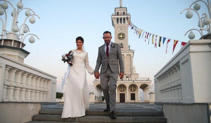 На Северном речном вокзале Москвы сыграли первые свадьбы