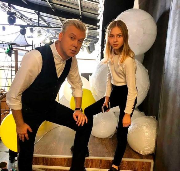 Футбол, шахматы, 'ТикТок': как растут дети Сергея Светлакова