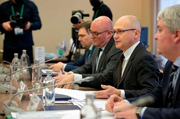 Кириенко отметил большой спрос на интернет-специалистов в России
