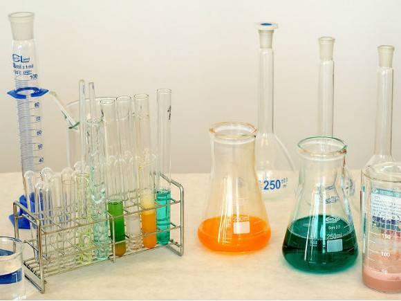 Американские ученые нашли в бытовых товарах вещества, провоцирующие уменьшение интимных частей мужского тела