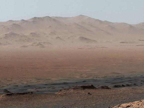 Появилось фото двух движущихся смерчей на Марсе
