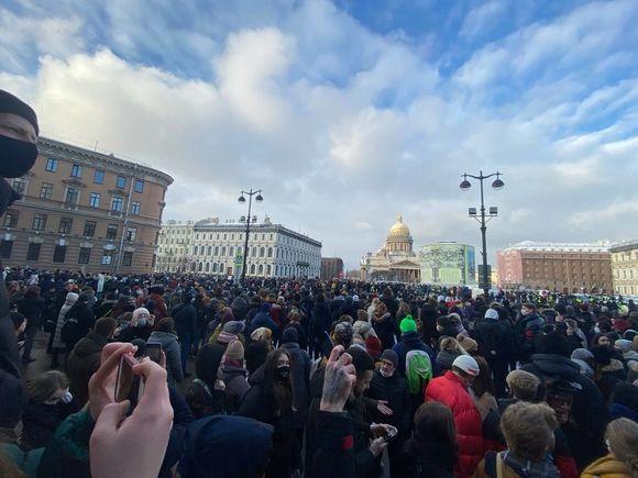 Петербургский омбудсмен насчитал 7 тысяч участников воскресных протестов