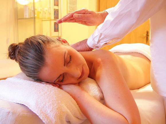 Онколог объяснил, можно ли больным раком делать массаж