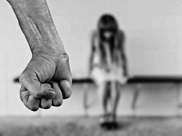 Под Самарой женщину, которую бил муж, оштрафовали за крики
