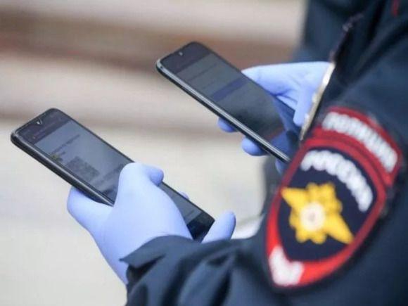 «Волокли по снегу»: в Татарстане полиция за отсутствие маски жестко задержала девушку с парнем