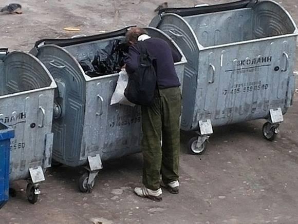 Россияне полюбили бомжа-интеллигента из Томска