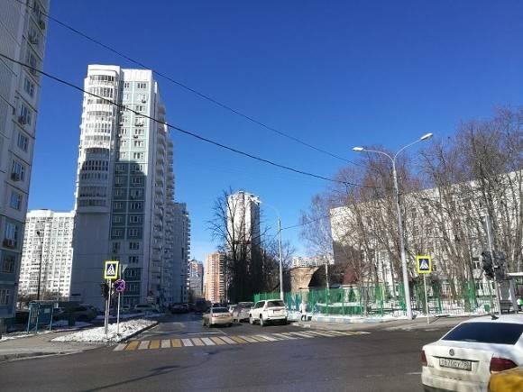 Двух пешеходов сбили в разных районах Москвы