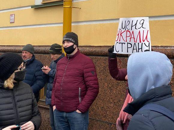 Сотрудники ВШЭ требуют восстановить на работе преподавательницу, уволенную из-за ретвита о митинге