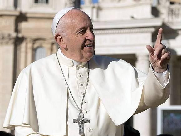 Папа римский пообещал сделать прививку от коронавируса