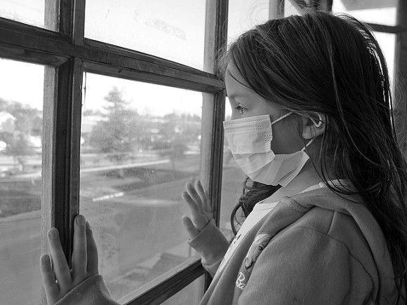 Врачи рассказали, почему новый штамм коронавируса опасен для детей